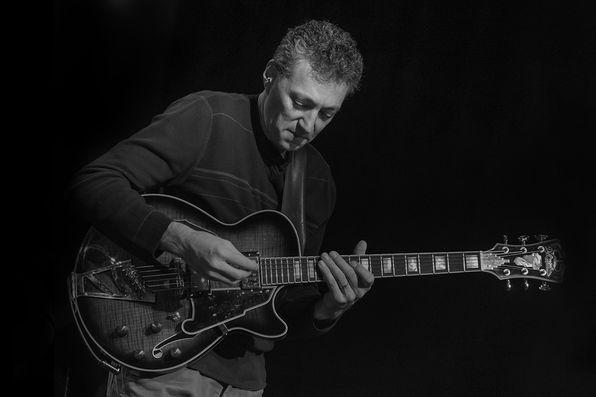 Guitarist Vinny Valentino