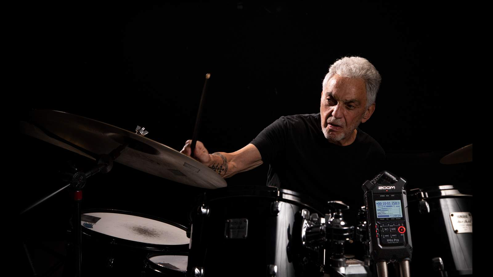 H4n Pro records Steve Gadd playing drums
