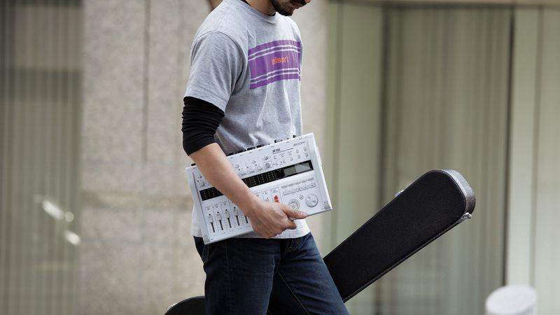 portable r16