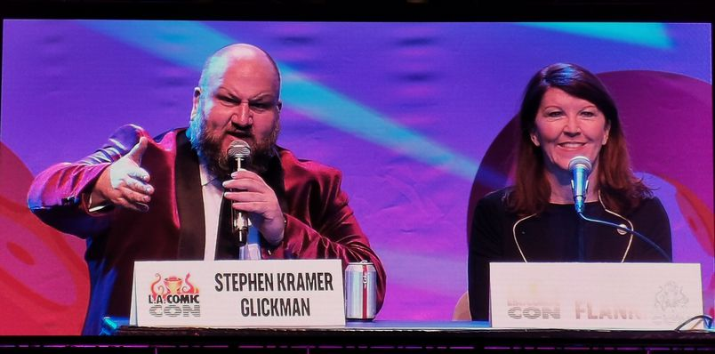 Stephen Kramer Glickman and the crew from The Night Time Show caught up with cast members of The Office at Comic Con. And it was all caught on the Zoom H6.