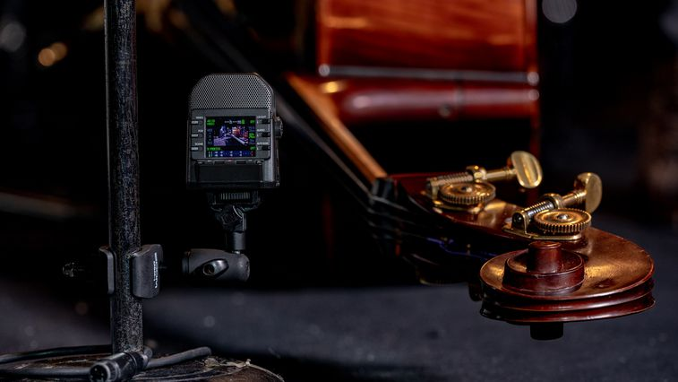 q2n-4k with upright bass